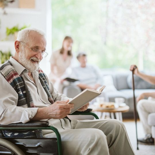 senior-people-during-afternoon-in-the-nursing-home-7844NZ6_1920_1280